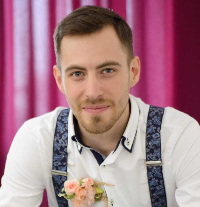 Инструктор курса: Дмитрий Мирошников
